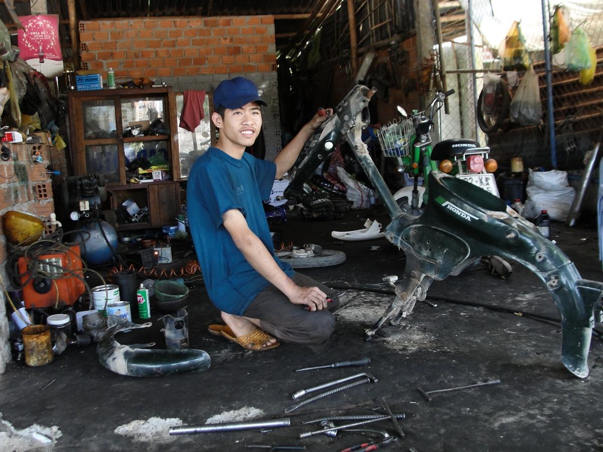 Nguyen Tan Toan Studying Motorcycle Repair Cwr Blog