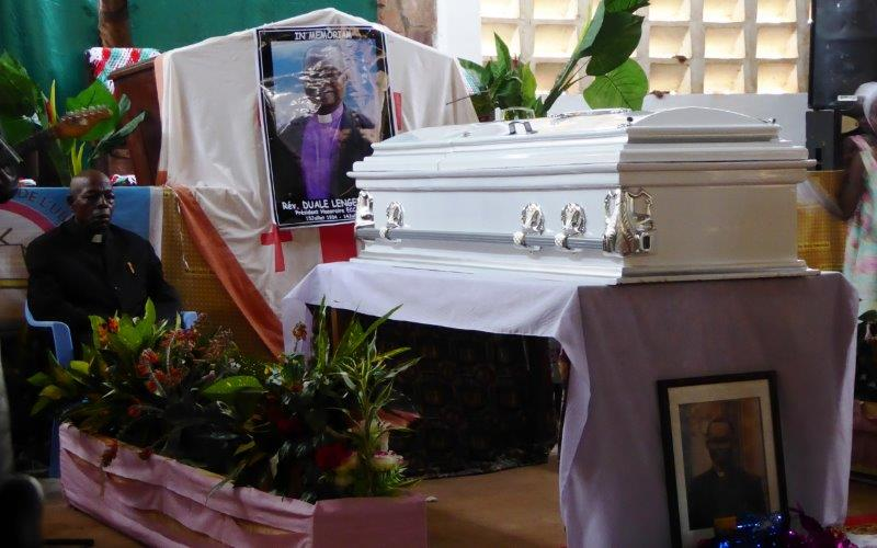8 Pastors sat by coffin for 15 minutes each from Thursday through Friday funeral